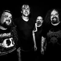 Nincs is jobb, mint duplázni a kedvenc zenekaroddal! Bécsbe jön a Napalm Death!