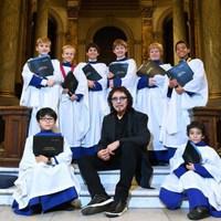 Szerintetek milyen kórusművet írt Tony Iommi? Hát persze, hogy zseniálisat!