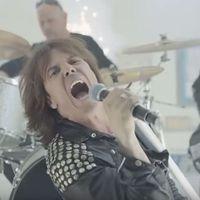 A Europe és Billy Idol is szakít egy szeletet a reklámbizniszből