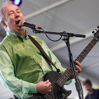 Elhunyt Pete Shelley, a The Buzzcocks énekese