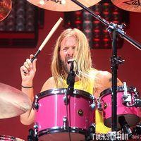 Közös csapatban a Foo Fighters, a Pearl Jam és a Melvins tagjai