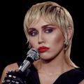 Elton Johnnal közösen veszi fel a Nothing Else Matterst Miley Cyrus