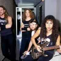 ...akkor most itthagyunk két 'Justice-korszakos Metallica koncertfelvételt