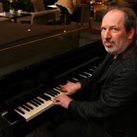 Magyarországra jön korunk egyik briliáns zeneszerzője, Hans Zimmer