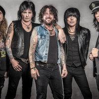 Új dal a novemberben Tatabányára látogató L.A. Gunstól