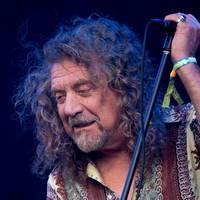 Elvis-dalokat énekelt Robert Plant