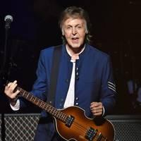 Két új dallal jelentkezett Paul McCartney