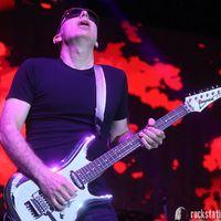 Májusban Budapestre jön Joe Satriani!