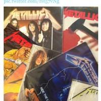 Danko Jones eladja Metallica lemezgyűjteményét, miután meghallgatta a Lulu-t