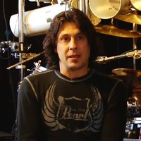 Hivatalos: Mike Mangini a Dream Theater új dobosa