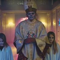 Nem törhet meg a vérvonal! Vagyis itt a Ghost, új Papa-bemutató videója