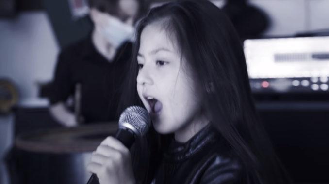little-girl-sings-sepultura-678x381.jpg