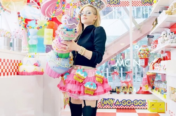 avril-lavigne-hello-kitty.jpg