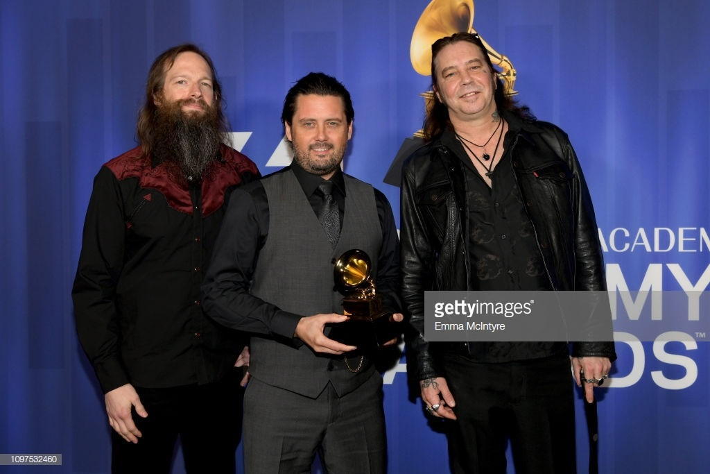 high-on-fire-pose-with-their-award-at-the-61st-annual-grammy-awards-picture-id1097532460.jpg