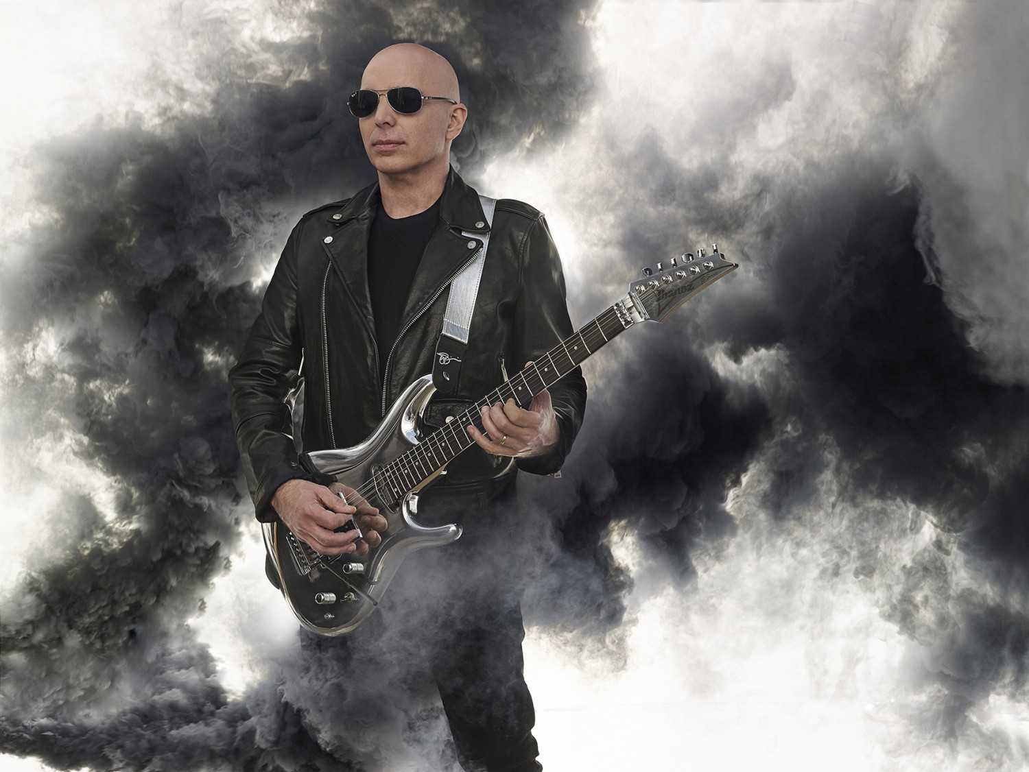 joe_satriani_02_photo_credit_joseph_cultice_small.jpg