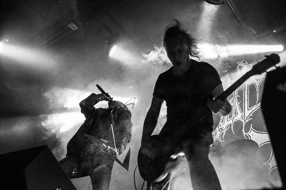 mayhem_live.jpg