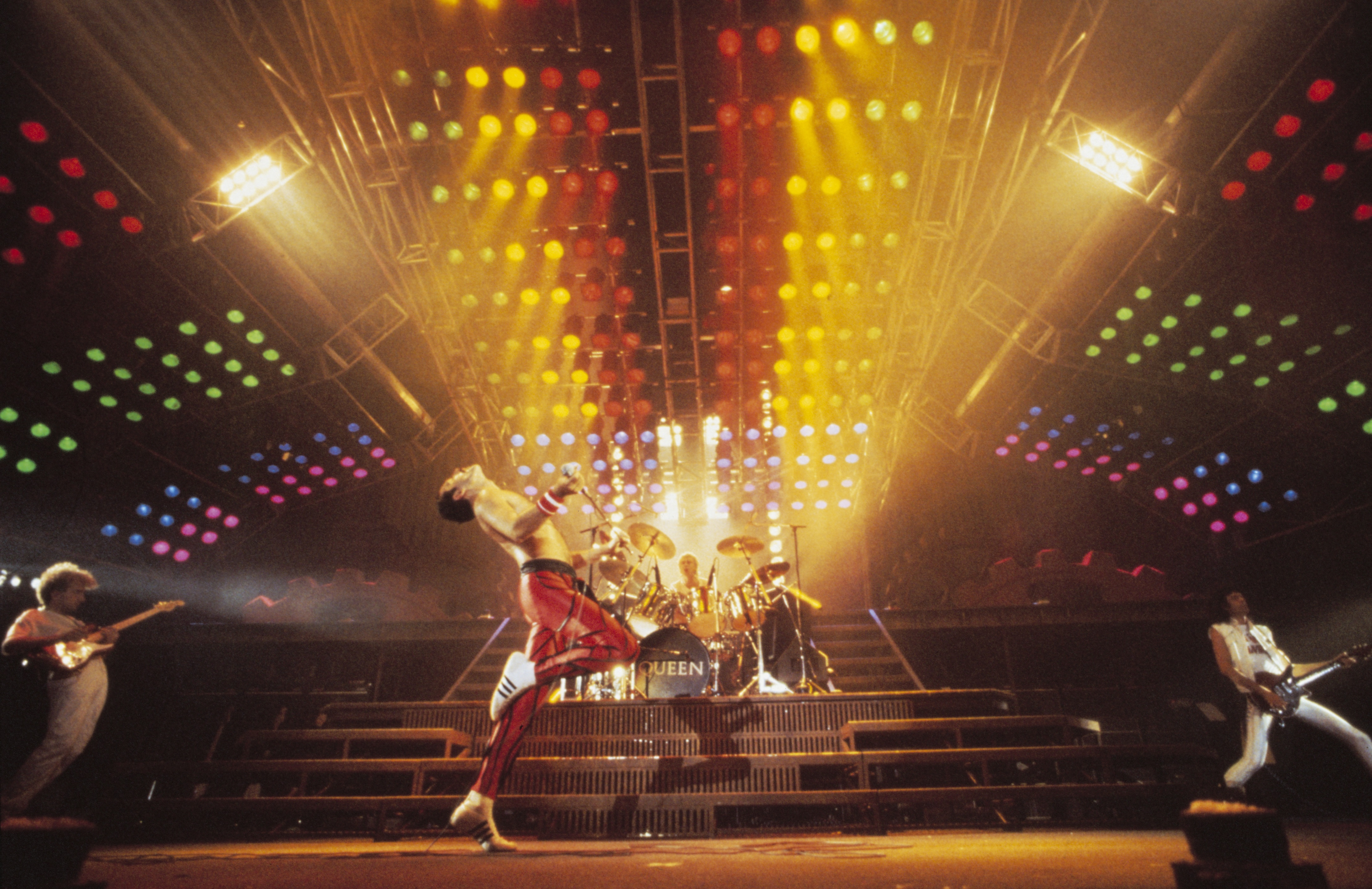 queen-photo-by-denis-o_u2019regan_-queen-productions-ltd_-taken-at-nec-birmingham-during-the-works-tour-1984.jpg