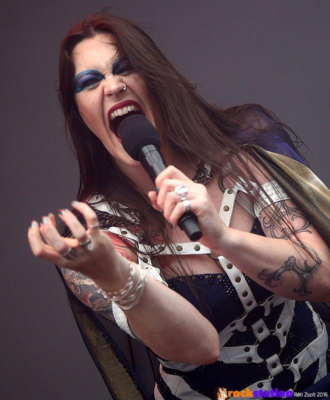 Floor Jansen (Nightwish) éppen nagyon mérges - Rock In Vienna fesztivál, Bécs