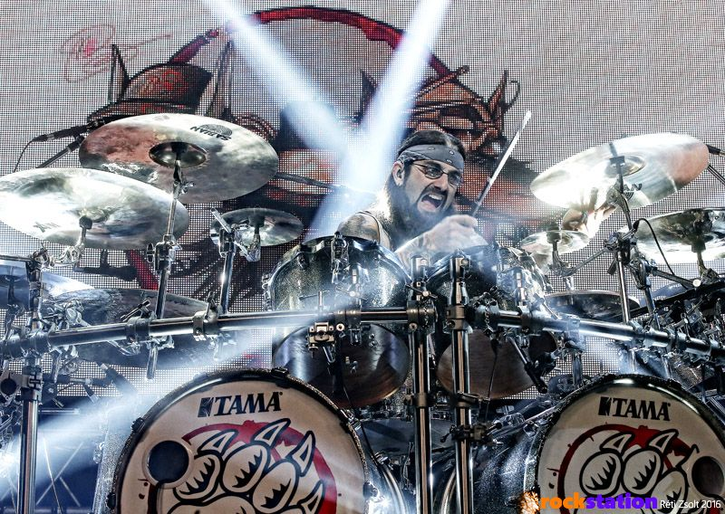 Mike Portnoy dobos-fenomén a The Winery Dogs Barba Negrás koncertjén