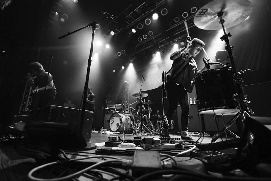 Silverstein live.jpg