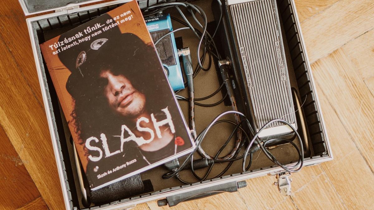 slash0.jpg