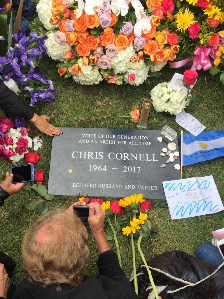chris_cornell_funeral.jpg