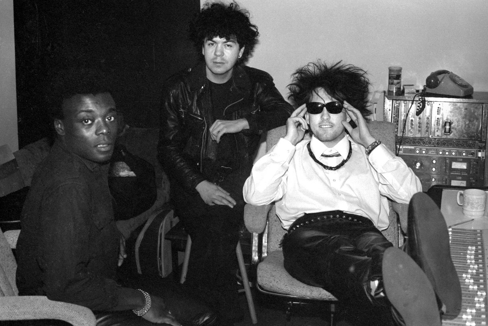 22_the-cure-dec-1983-recording-the-top-2.jpg
