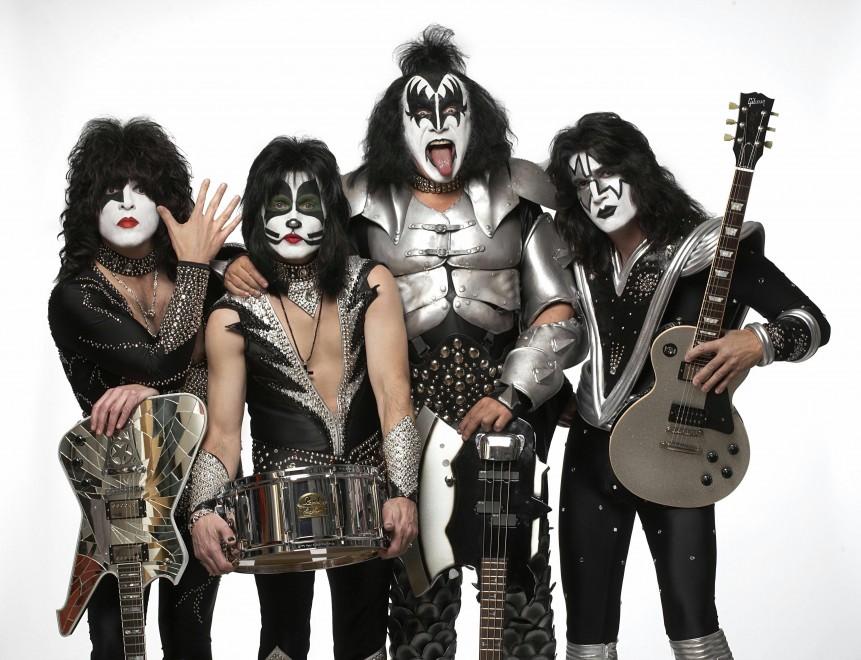 2. Kiss (136 dB)