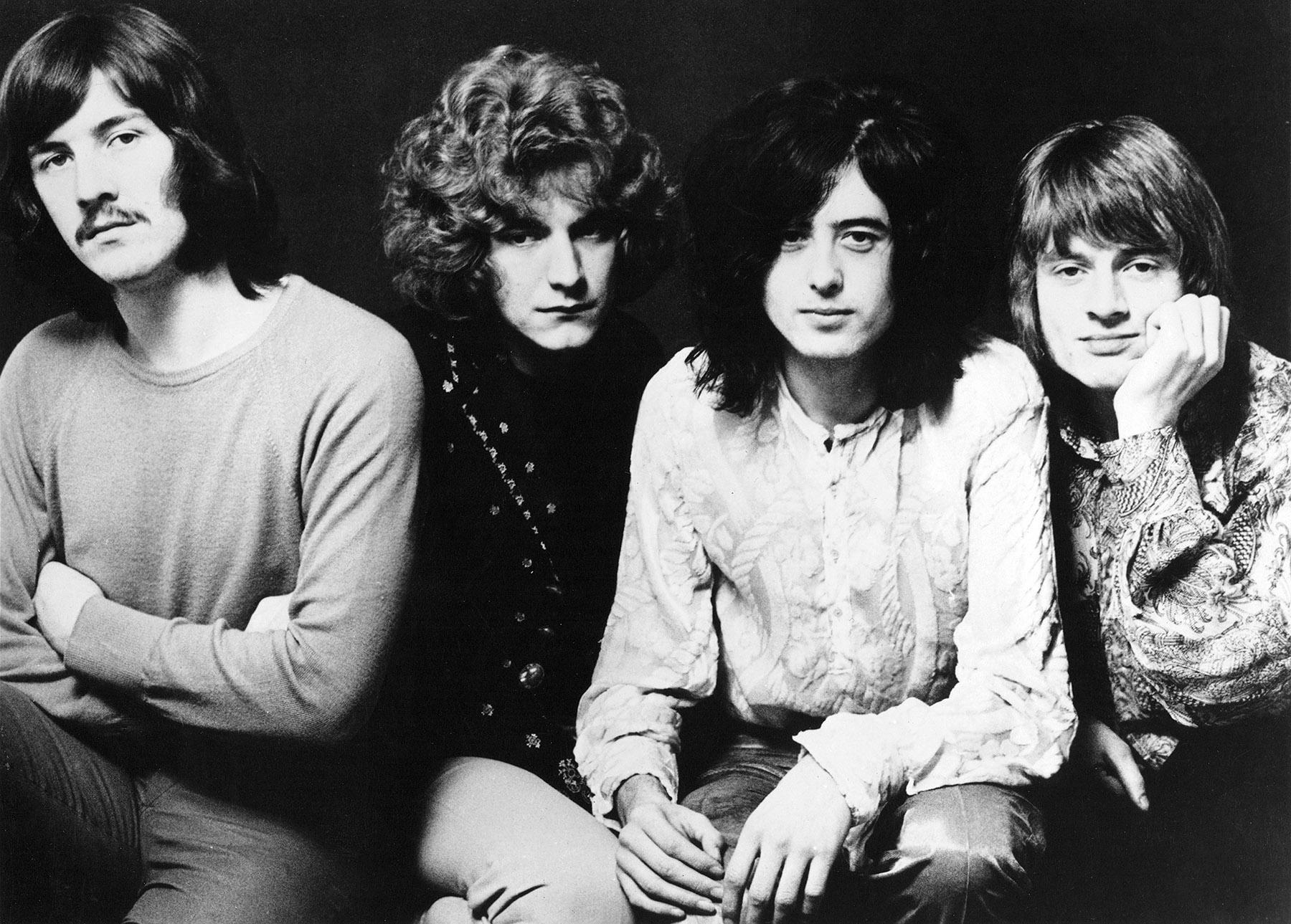 4. Led Zeppelin (130 dB)