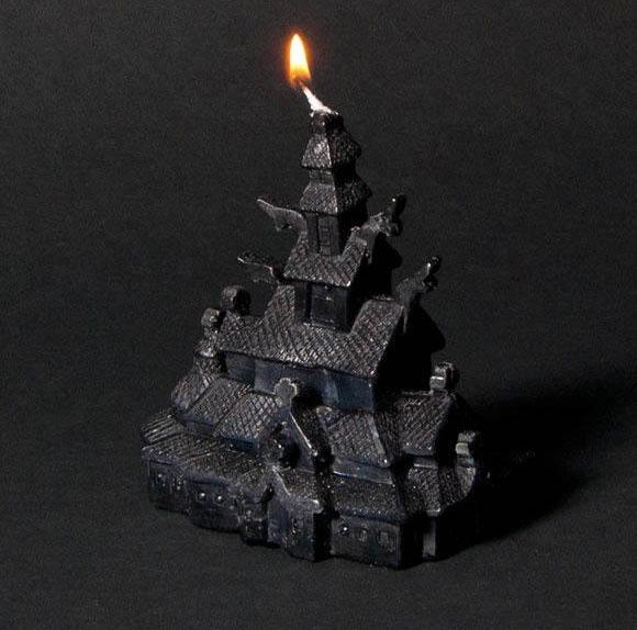 Égő templom gyertya