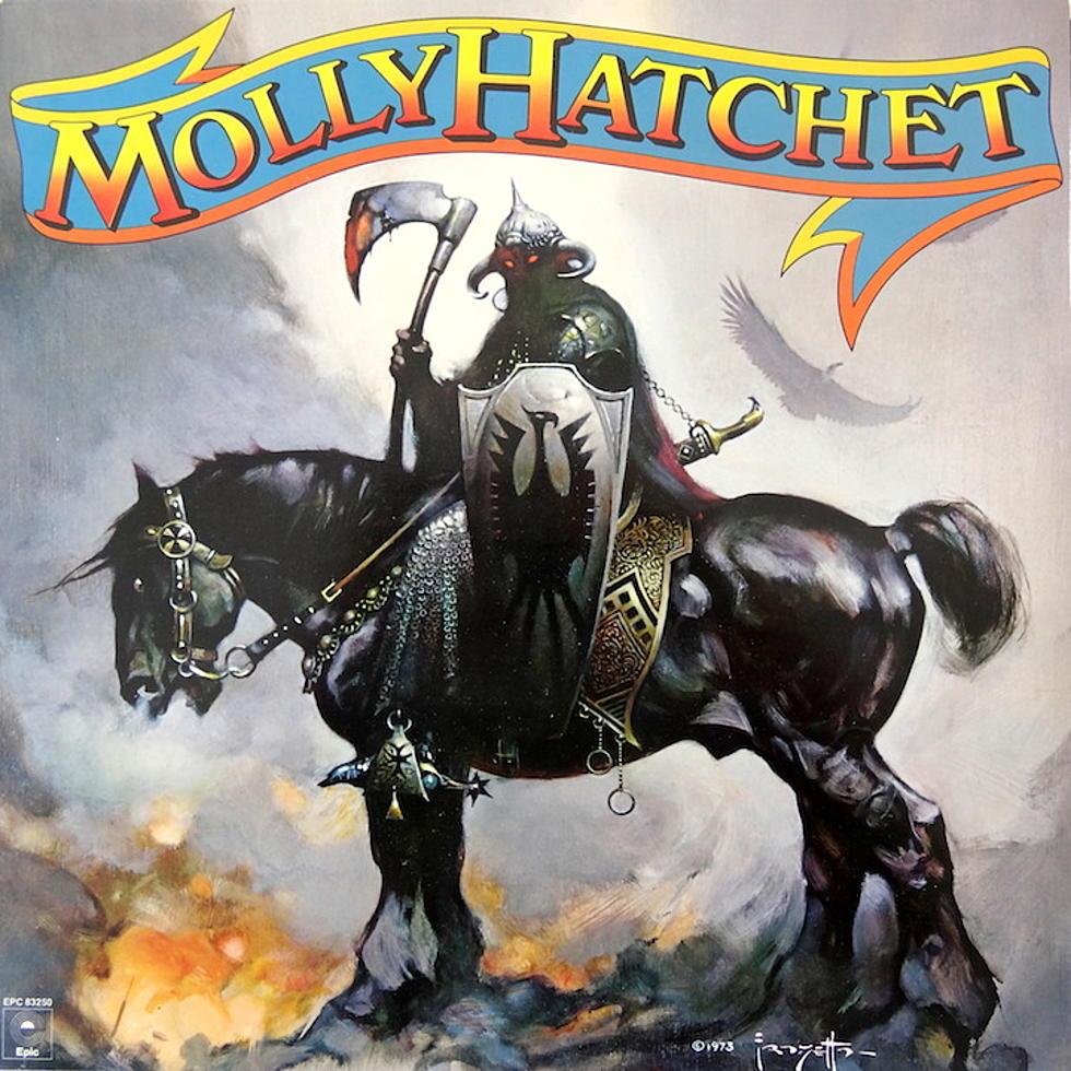 Molly Hatchet - Molly Hatchet<br /><br />Ha ettől a képtől nem egy bőrgatyába bújtatott hősmetal album ugrik be, akkor tényleg nem tudjuk, mi. Pedig ez a Molly Hatchet korong sem az, aminek látszik. Blues rocknak is jó lesz az, de annak viszont elég jó!