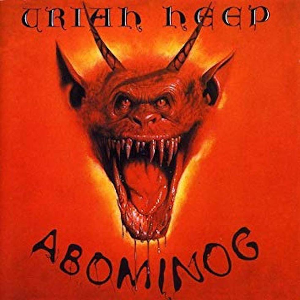 Uriah Heep - Abominog<br /><br />Egy olyan borító, amitől egetrengető riffeket és gépfegyverszerű duplázókat vársz, viszont... Pont nem azt kapod a zenei részen. Oké, van itt pár kerek rockdal, de ahogy a korábbiakban is volt róla szó: a metalmércét azért nem akasztja ki.