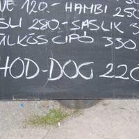 Kecskebéka, lódarázs, hód-dog...