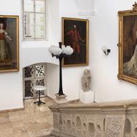 Az Apárúr ház képző- és iparművészeti tárgyai