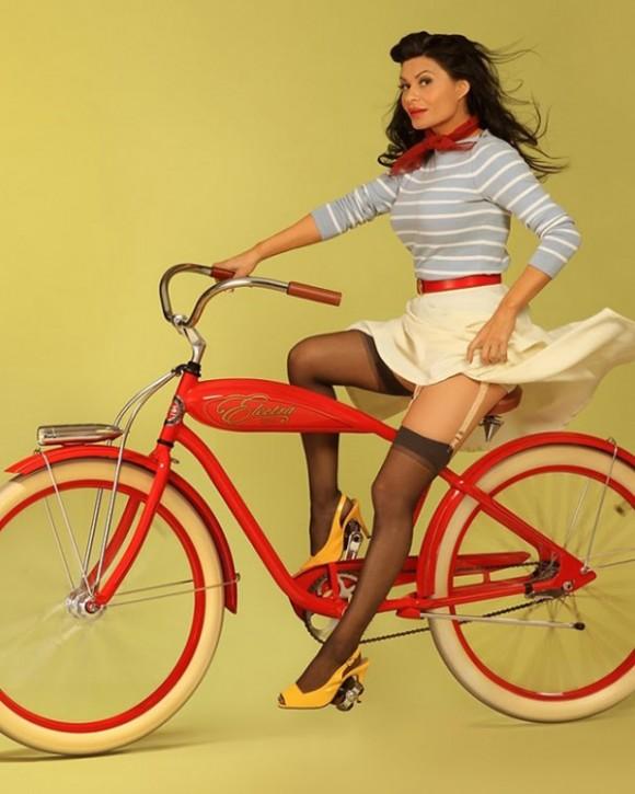 vintage-style-bike-girl-pinup-on-red-cruiser-580x725.jpg