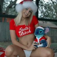 Boldog Karácsonyt kíván Mindenkinek a Rosszlanyok.hu!