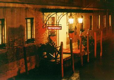Velencei este (1), 1995