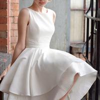 Menyasszonyi ruhák akkor és most
