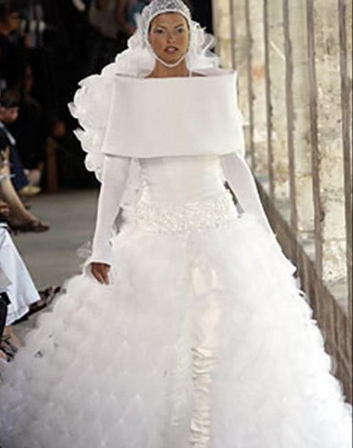 ugly-wedding-dress-chanel.jpg