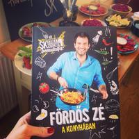 Ha csak egy szakácskönyvet vesztek meg Karácsonyra, ez legyen az!