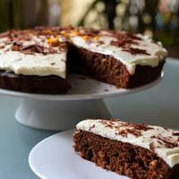 Mediterrán csokoládés sütemény narancsos mascarpone krémmel