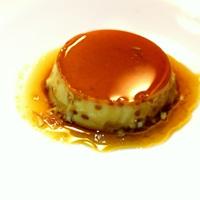 A franciáknál crème caramel, a spanyoloknál flan
