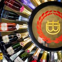 Egy éves Budapest exkluzív pezsgőbárja, a Double Bubble Pezsgőbár