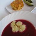 Könnyed nyári ebéd: könnyű, nyári meggykrém leves házi vanília fagylalat szilánkokkal, krumplis tészta kovászos uborkával