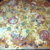 Visszatérés egy bolognai pizzával