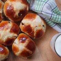 Hot cross bun - angol húsvéti zsemle