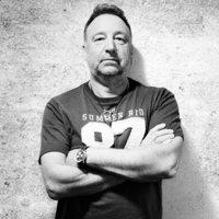 PETER HOOK - A Substance lemezekkel érkezik a Dürer Kertbe