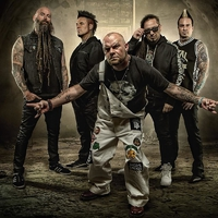 FIVE FINGER DEATH PUNCH - Klippremier: When The Seasons Change
