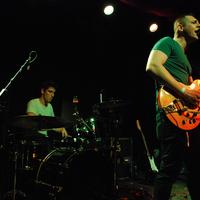 NUDE BUSH - Koszos, mocskos, grunge-os lemezbemutató | Koncertbeszámoló