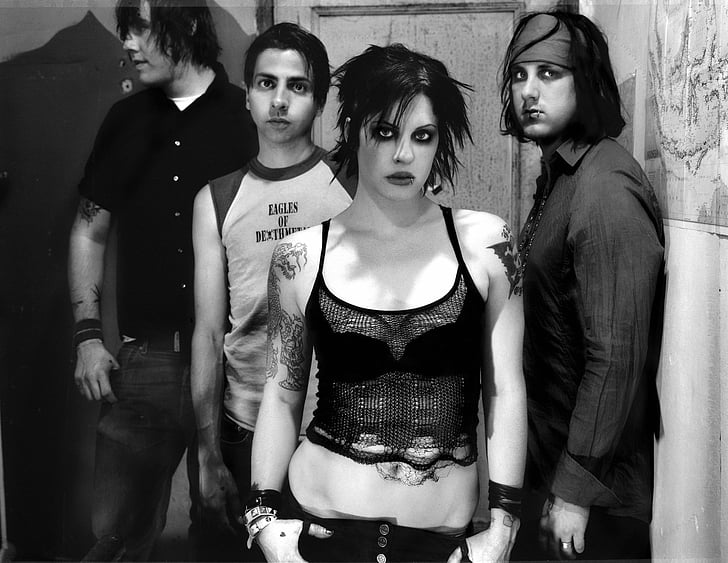 band-music-the-distillers-brody-dalle-wallpaper-preview.jpg